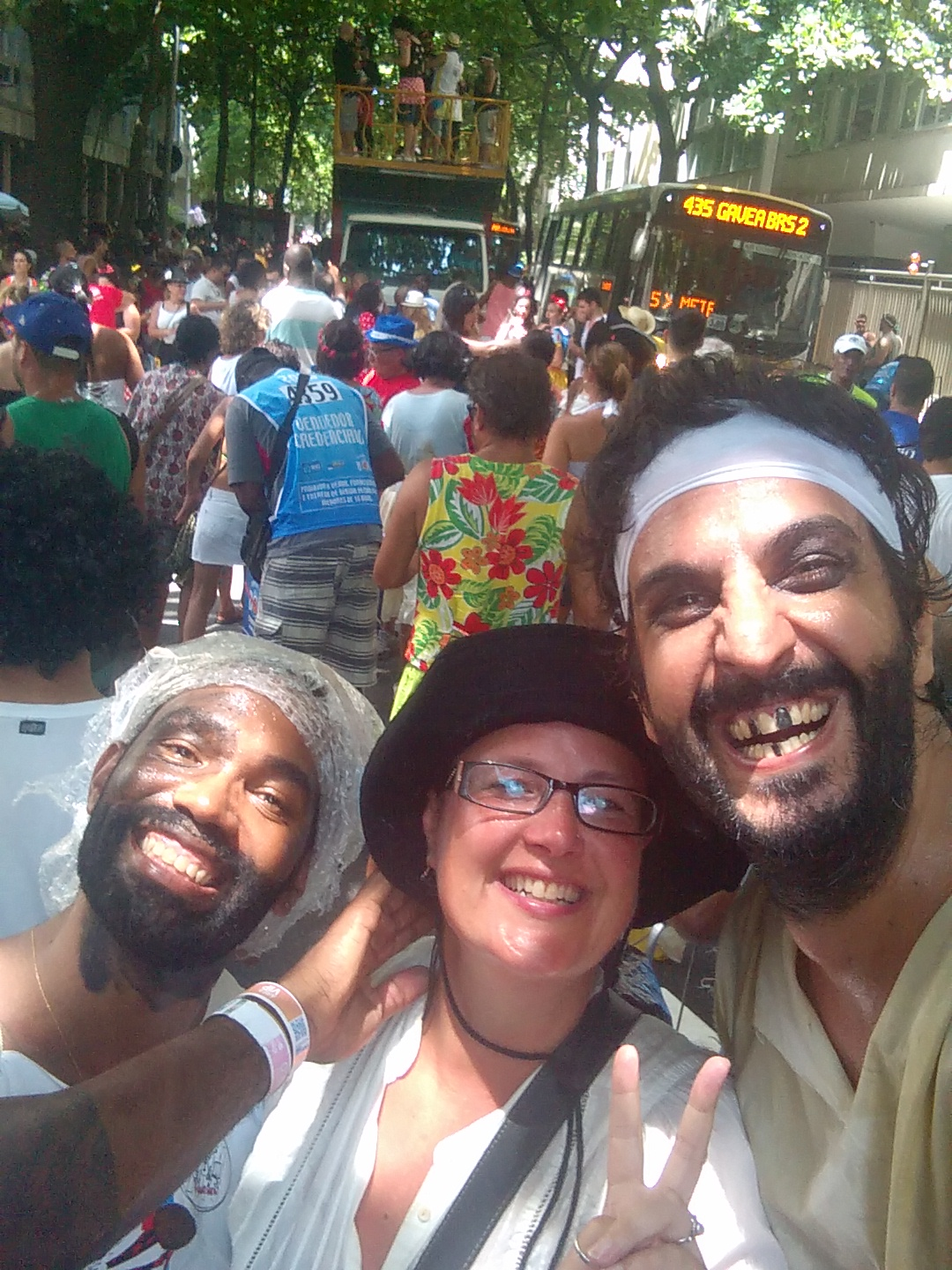 """Cariocas (people from Rio de Janeiro) dressing as """"homeless"""" during carnival"""